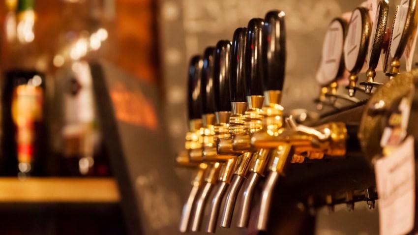 032818 beer taps shutterstock