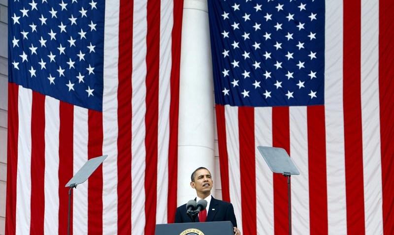 052509 Obama Memorial Day big flags