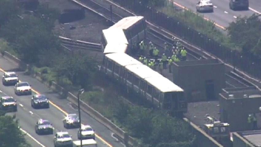 072916 metro derailment