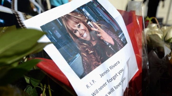 121012-jenni-rivera-makeshift-memorial
