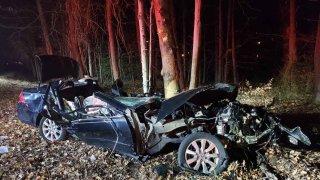 Photo of Laurel car crash wreckage