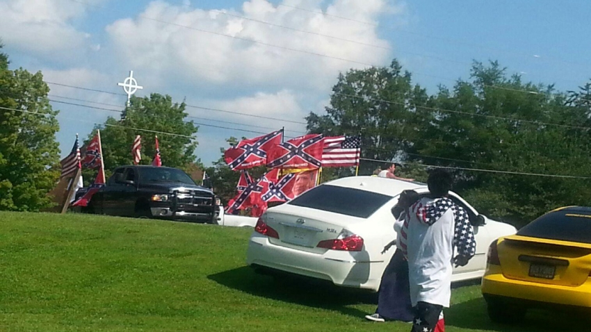 151012-confederate-flag-rally-mn-1640