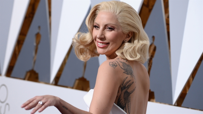 190214_3907979_Lady_Gaga_Honored__A_Star_Is_Born__With_A_Ma_1200x675_1443284035557