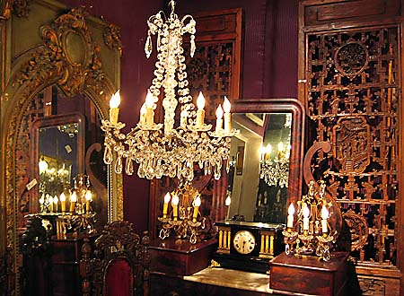 Antique_Furnishings_Chandelier