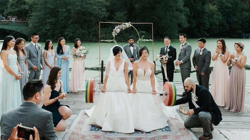 BRIDAL-DEADLIFT