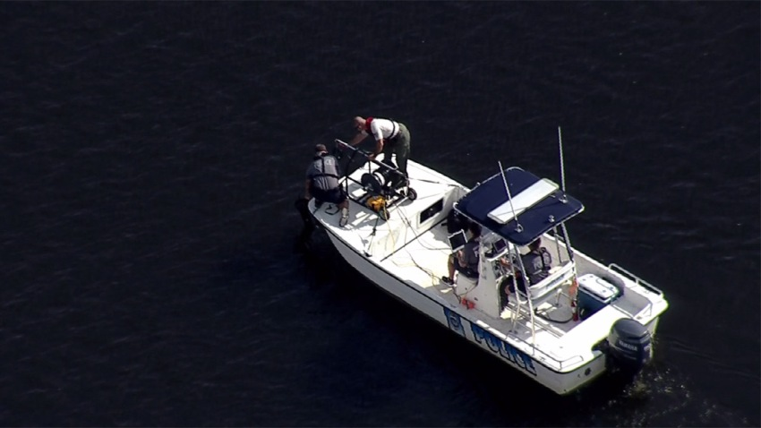 Fairfax County Police Boat Burke Lake Search 082517