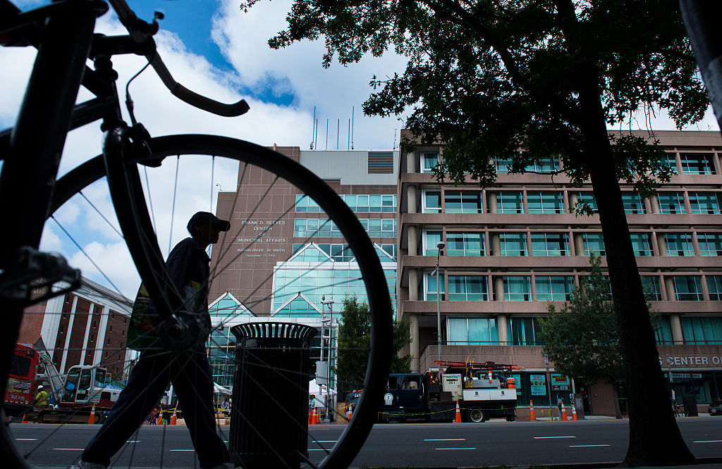 DC Closes Nonessential Businesses, DMV Centers to Stop Coronavirus