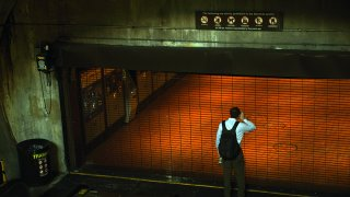 Metro closes for an entire weekday (2016)