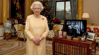 Queen Elizabeth ll Delivers Her Christmas Message in 2007