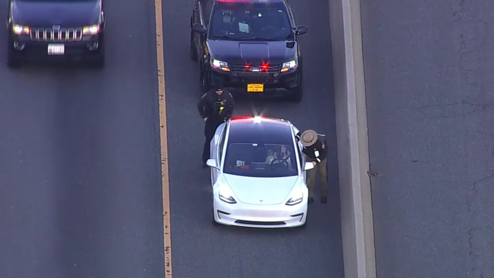 HOV Enforcement Proves Extremely Difficult for Police