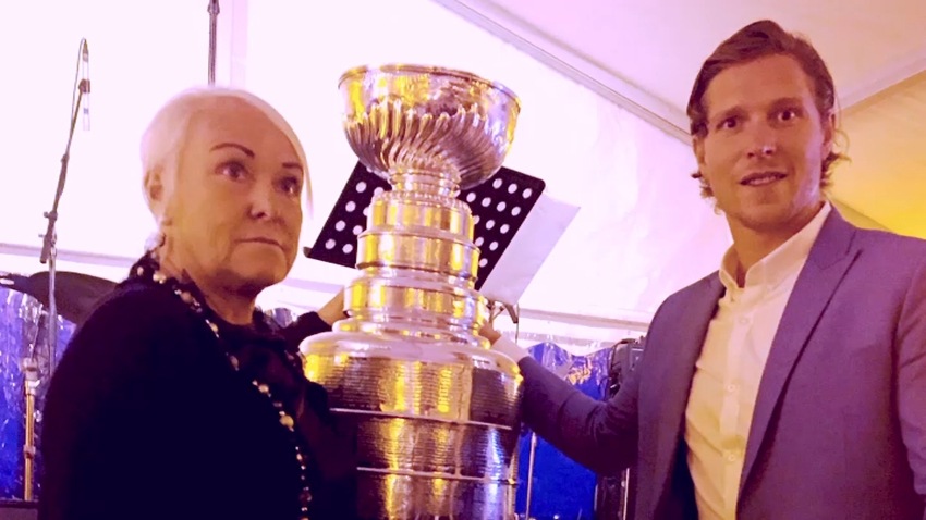 Nicklas Backstrom and Mother With Stanley Cup