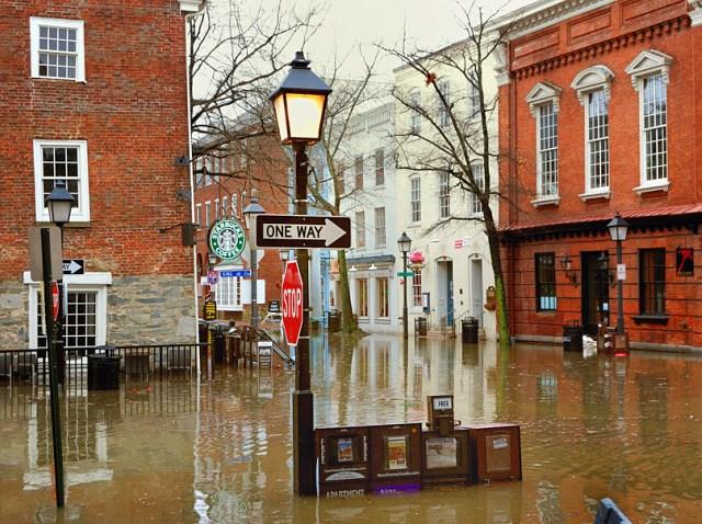 Old-Town-Flooding-King--Uni1