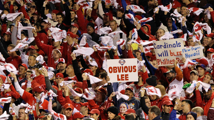 Phillies Fans Lee Signs NLDS Game 2
