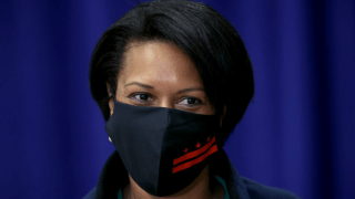 Muriel Bowser with face mask