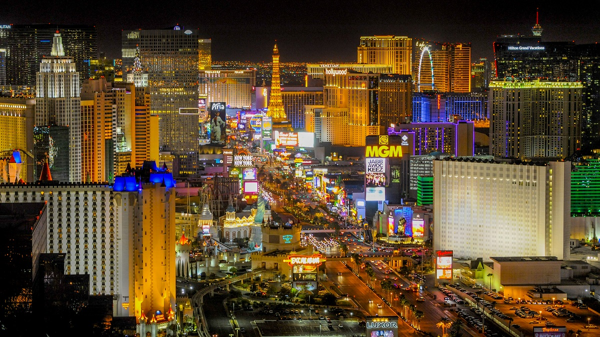 MGM to Close 13 Resorts on Las Vegas Strip as Virus Spreads in Nevada –  NBC4 Washington