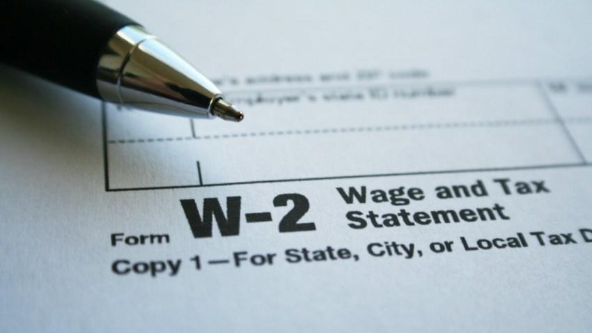 TLMD-impuesto-irs-formulario-W-2-forma-w2-shutterstock_406904200