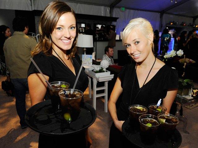 cocktail-waitresses
