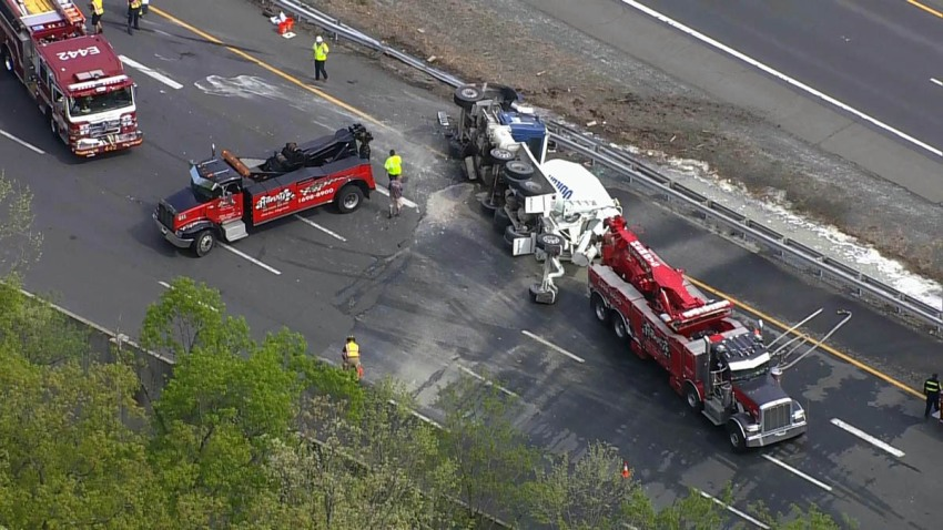 dulles toll road overturned cement truck 042419