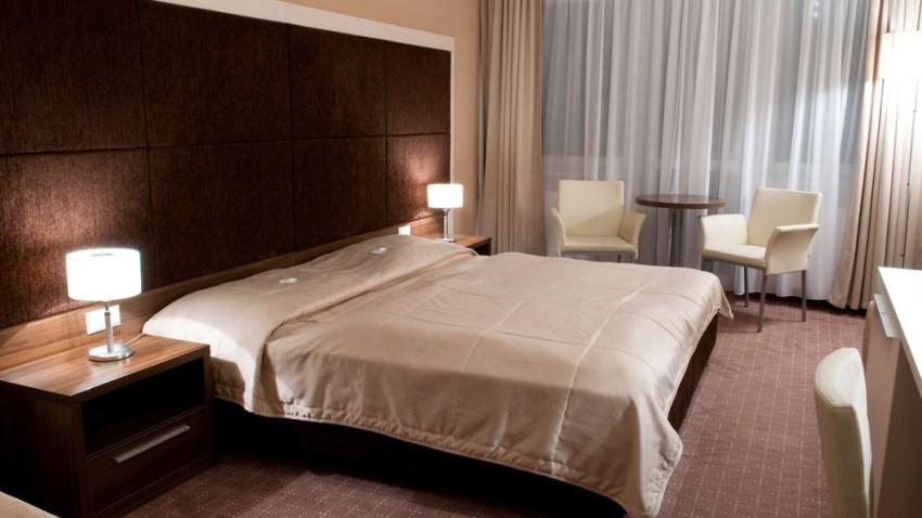 hotel100
