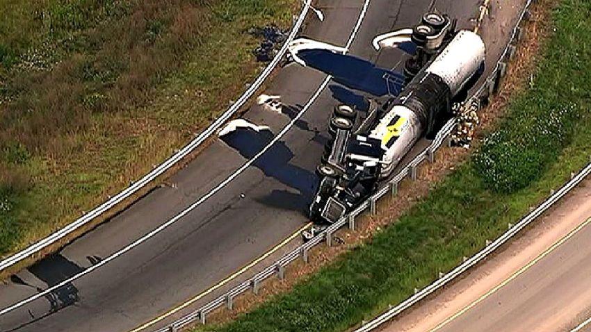 loudon truck spill (1)