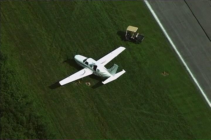 montgomery county plane off runway