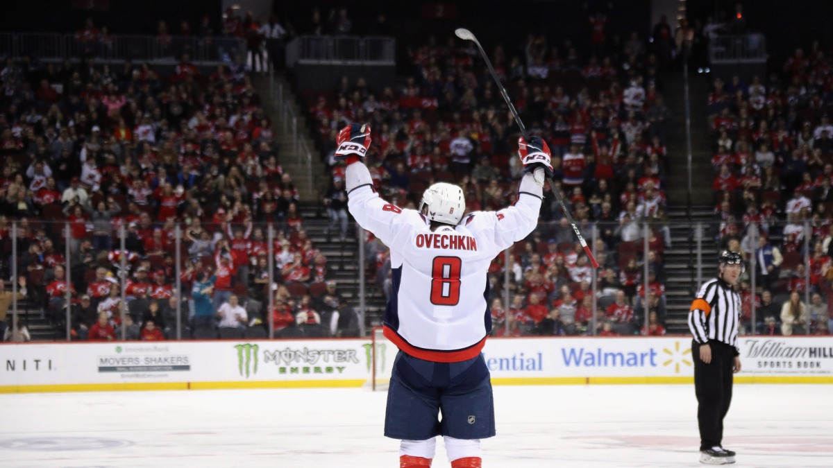 Alex Ovechkin moves to within two goals of 700 with