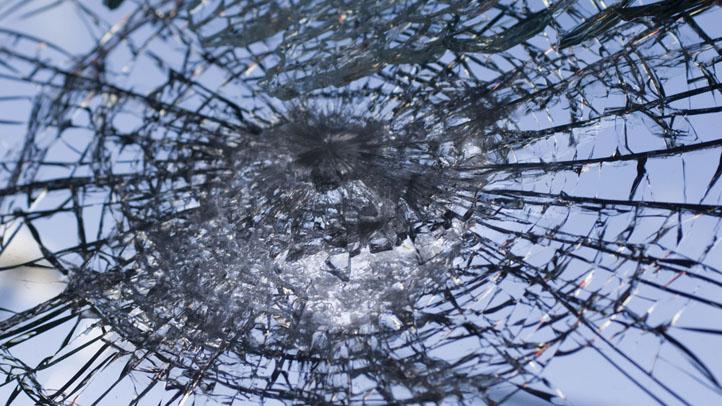 shattered_glass_broken