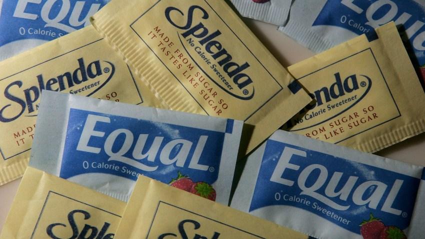 73831114JS004_Equal_Sues_Sp