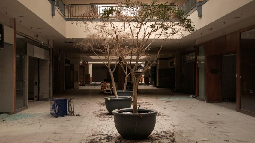 lincoln mall 26