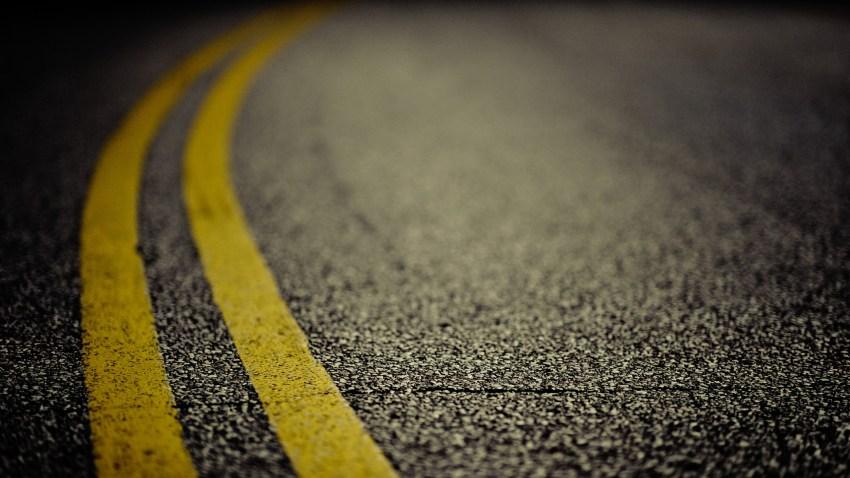 double yellow line road