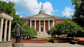 Maryland State House, state capitol building, Annapolis, Maryland, exterior view. (Photo by: Education Images/Universal Images Group via Getty Images)