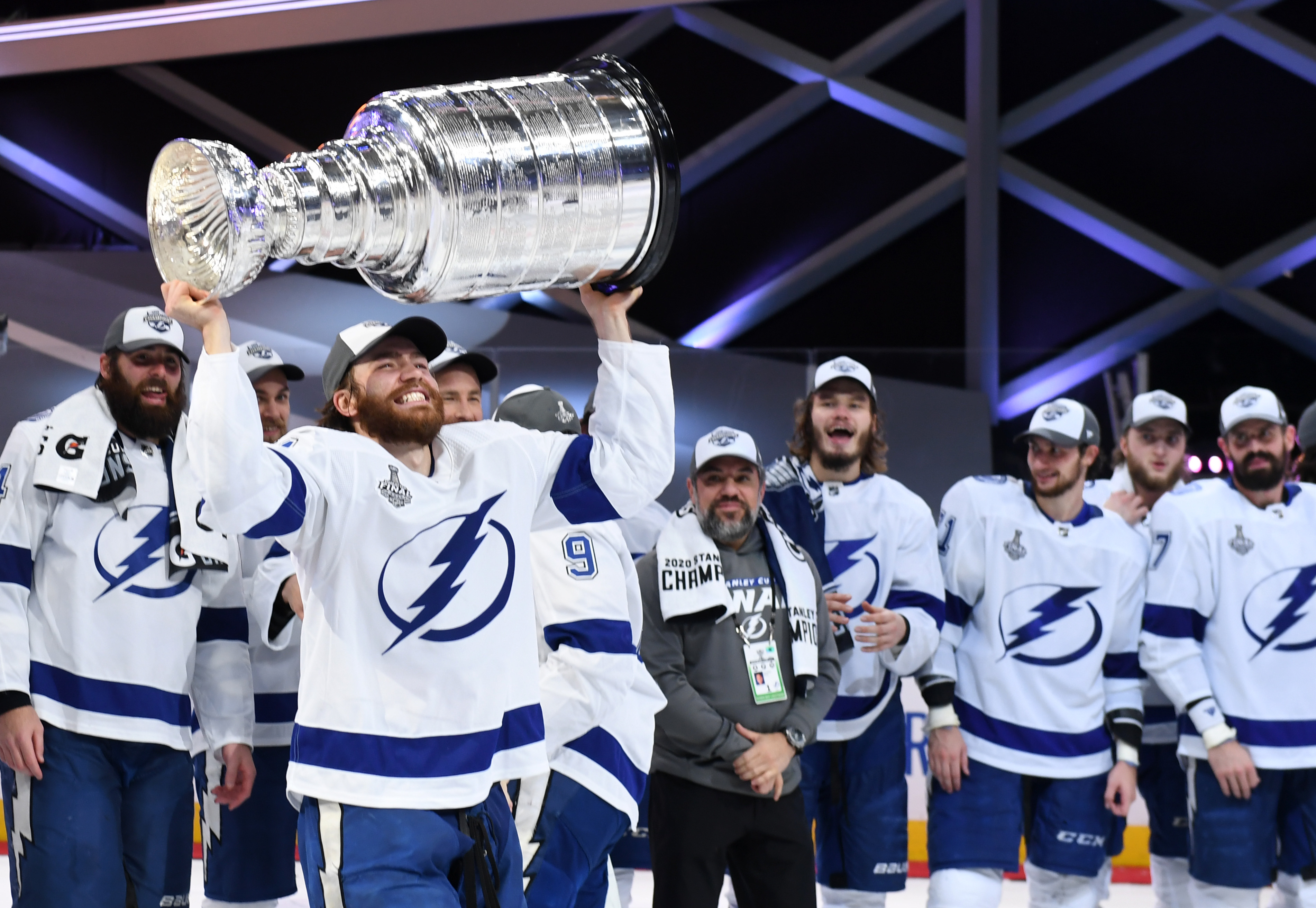 Lightning Beat Stars to Win 2nd Stanley Cup in Franchise History