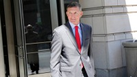 Trump Pardons Flynn Despite Guilty Plea in Russia Probe