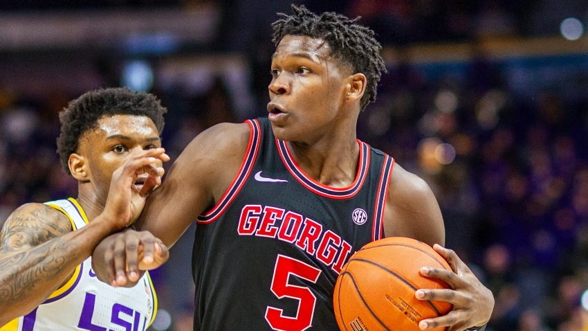 BATON ROUGE, LA - MARCH 07: Georgia Bulldogs guard Anthony Edwards (5) dribbles the ball the ball during a game between the Georgia Bulldogs and the LSU Tigers at the Pete Maravich Assembly Center in Baton Rouge, Louisiana on March 7, 2020.