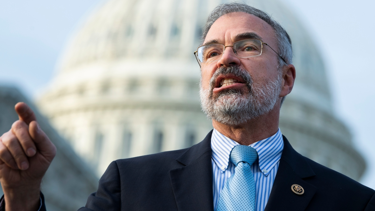 Capitol Police Probing Whether GOP Rep. Tried to Bring Gun on House Floor