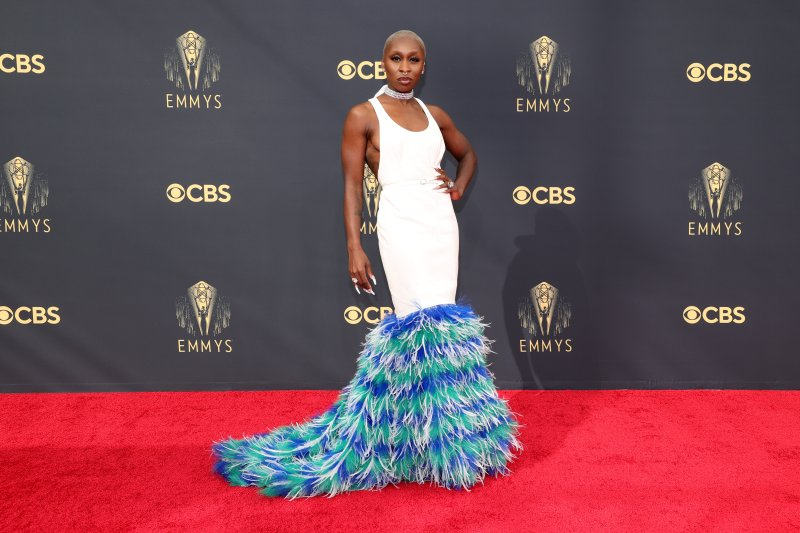 PHOTOS: See the Best Looks from the 2021 Emmy Awards Red Carpet