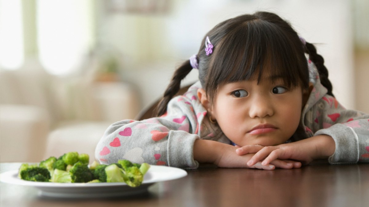 Ew, Broccoli: Mouth Bacteria May Explain Some Kids' Aversion