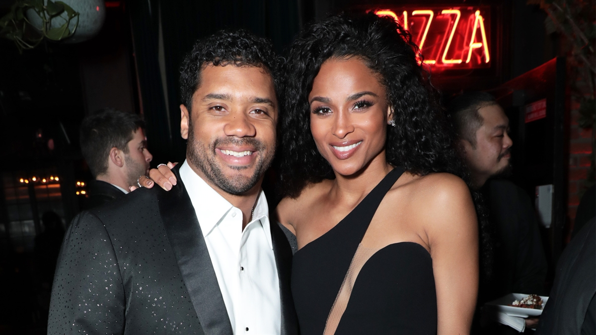 1bb3bbb38a4376 190513 3955004 Russell Wilson   Ciara Surprise His Mom With 1200x675 1521462339911.jpg
