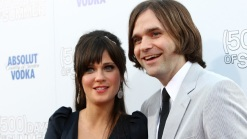 Zooey Deschanel, Rocker Husband Finalize Divorce