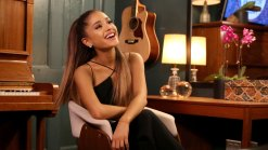 Grande Replaces Houston Hologram on 'The Voice'