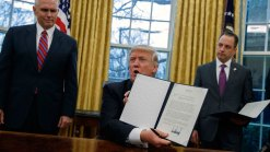 Trump Moves to Pull US Out of TPP Trade Deal