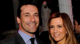 "Kristen Wiig and Jon Hamm Tried ""Lots of Different Positions"" in Sex Scene"