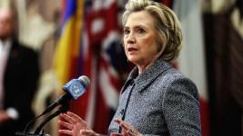 In Miami, Clinton Calls for Lifting Cuba Embargo