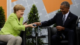 Obama, Merkel Discuss Democracy, Global Responsibility