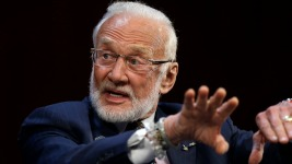 Aldrin Skips Space Center Gala Amid Feud With His Children