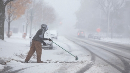 Record-Breaking Cold Across US Blamed for at Least 8 Deaths