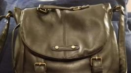 Woman Reunited With Purse She Left on Subway in NYC Miracle