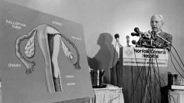 Pioneer of In Vitro Fertilization Dies