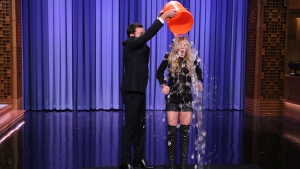Fallon: Lohan Takes the ALS Ice Bucket Challenge