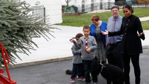 First Lady Receives Final White House Christmas Tree